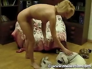 Home zoophilia in rough scenes with a blonde wife and her dog