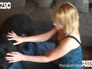 Black dog gives tons of pleasure for a blondie