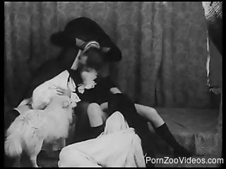 Retro B&W bestiality starring nuns and horny sluts