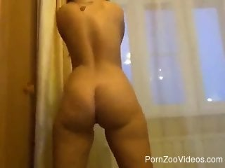 Masked hottie with a bubble butt fucking a dog